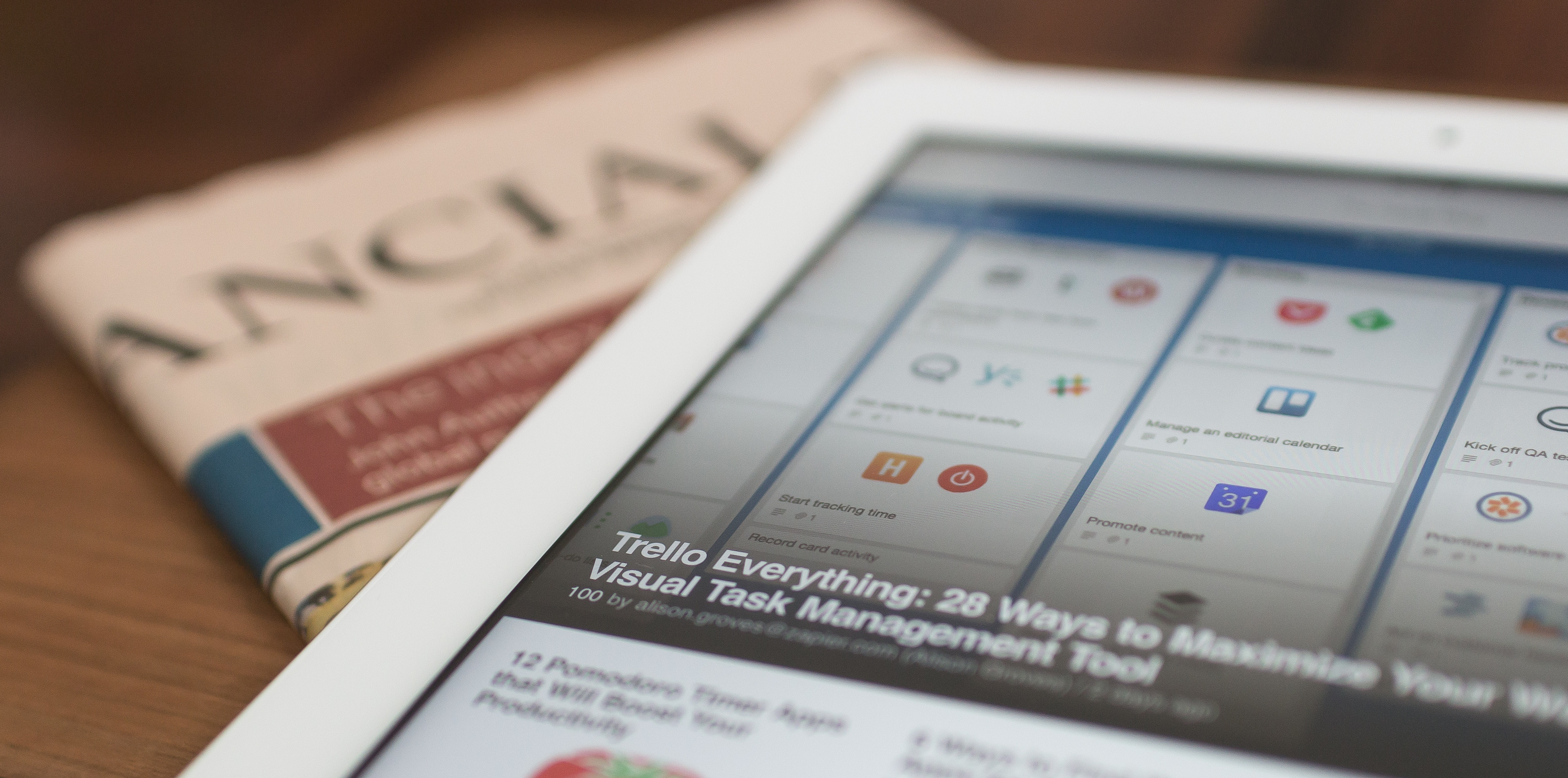 News aggregator apps iPad interface and newspaper